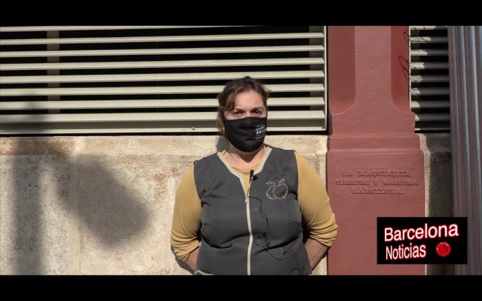 empleada del mercado de sant antoni de barcelona hablando de lo vergonzoso que son los políticos